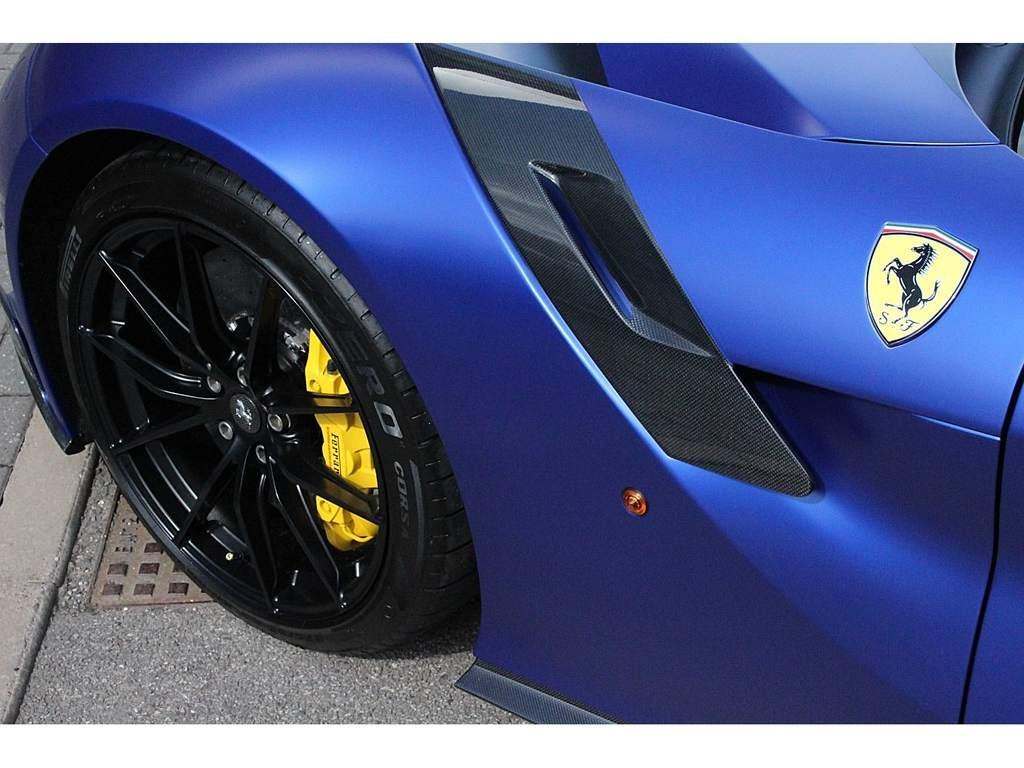 2017_Ferrari_F12tdf_0003