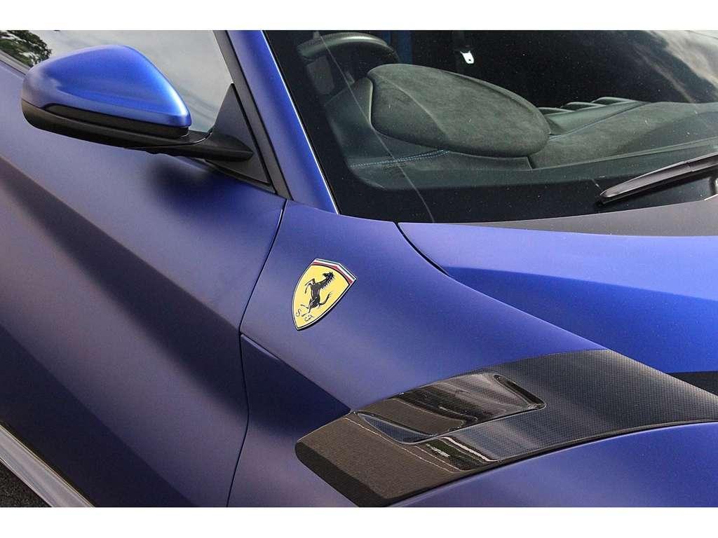 2017_Ferrari_F12tdf_0011