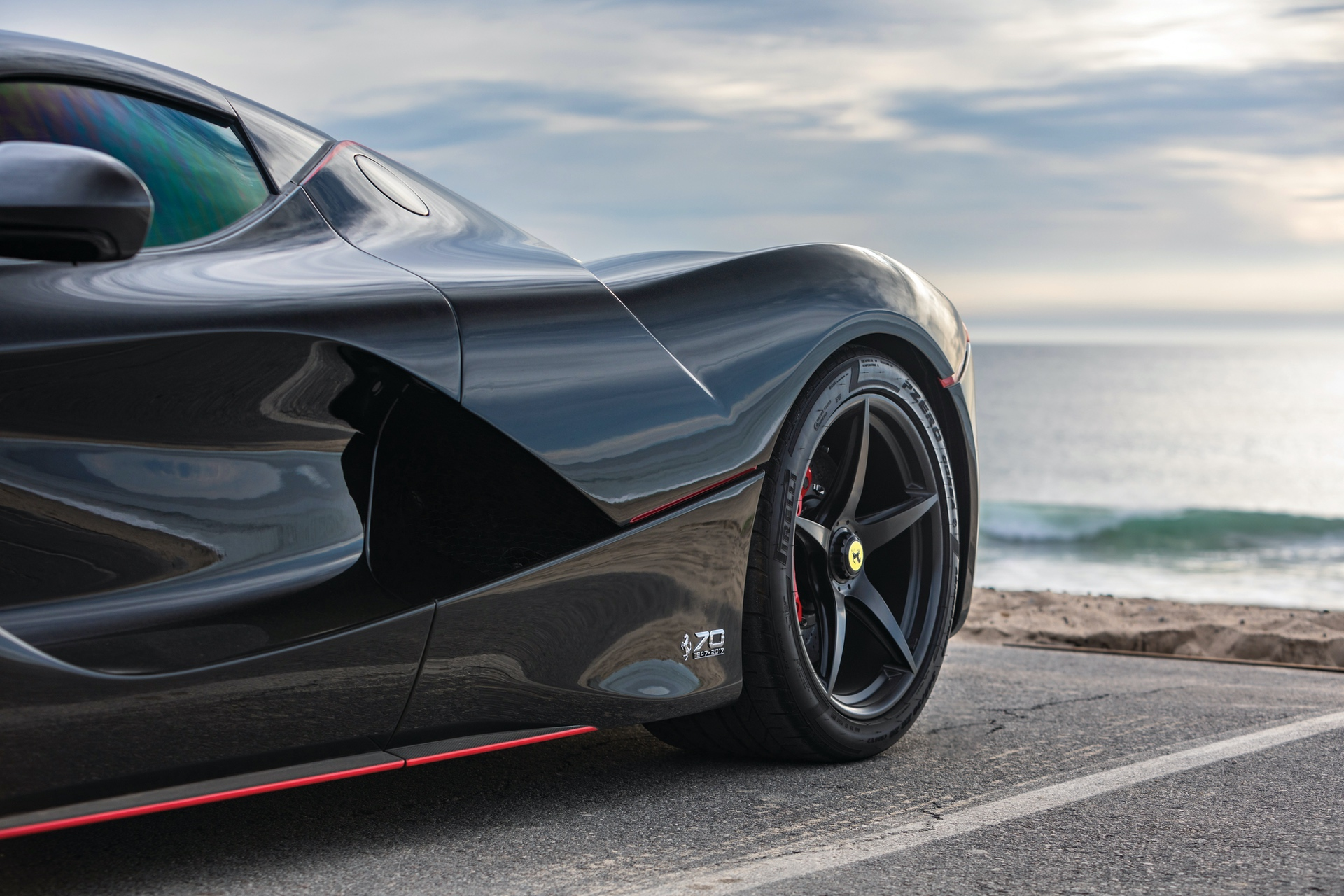 2017-Ferrari-LaFerrari-Aperta_10