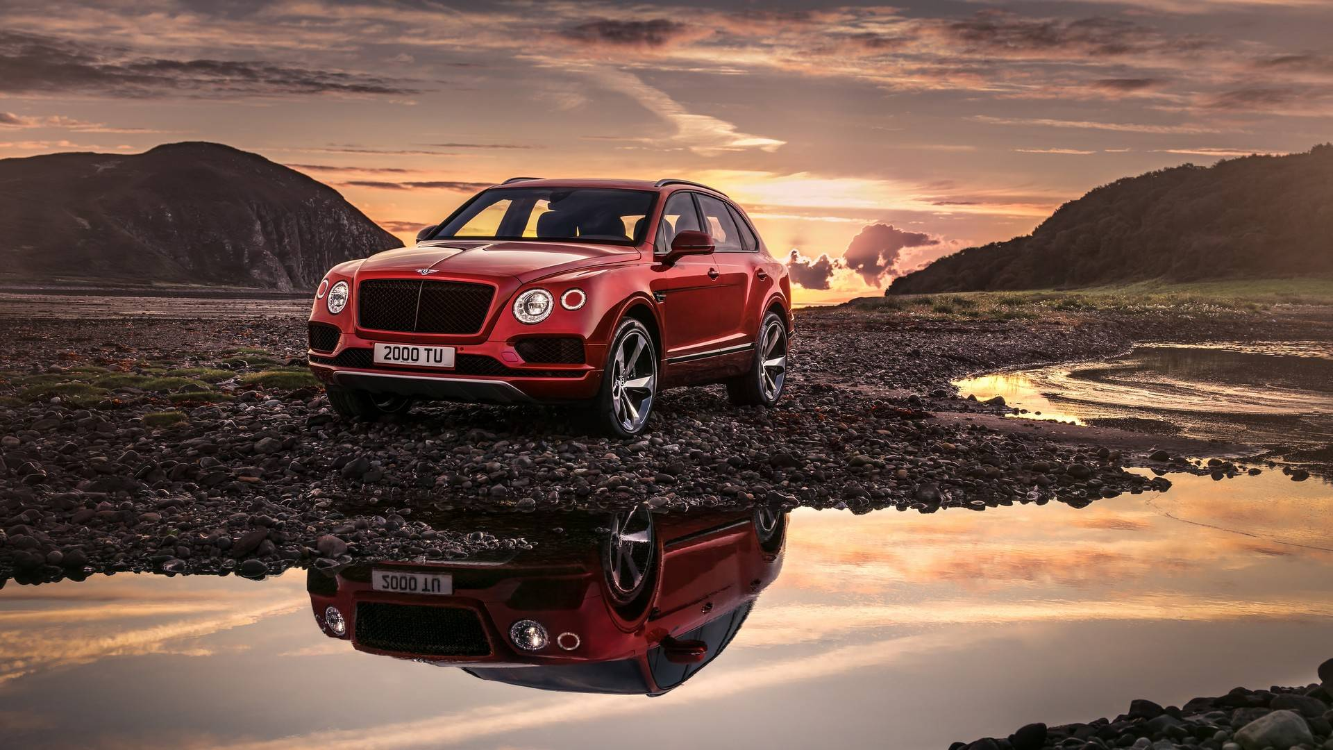 2018_Bentley_Bentayga_V8_0000