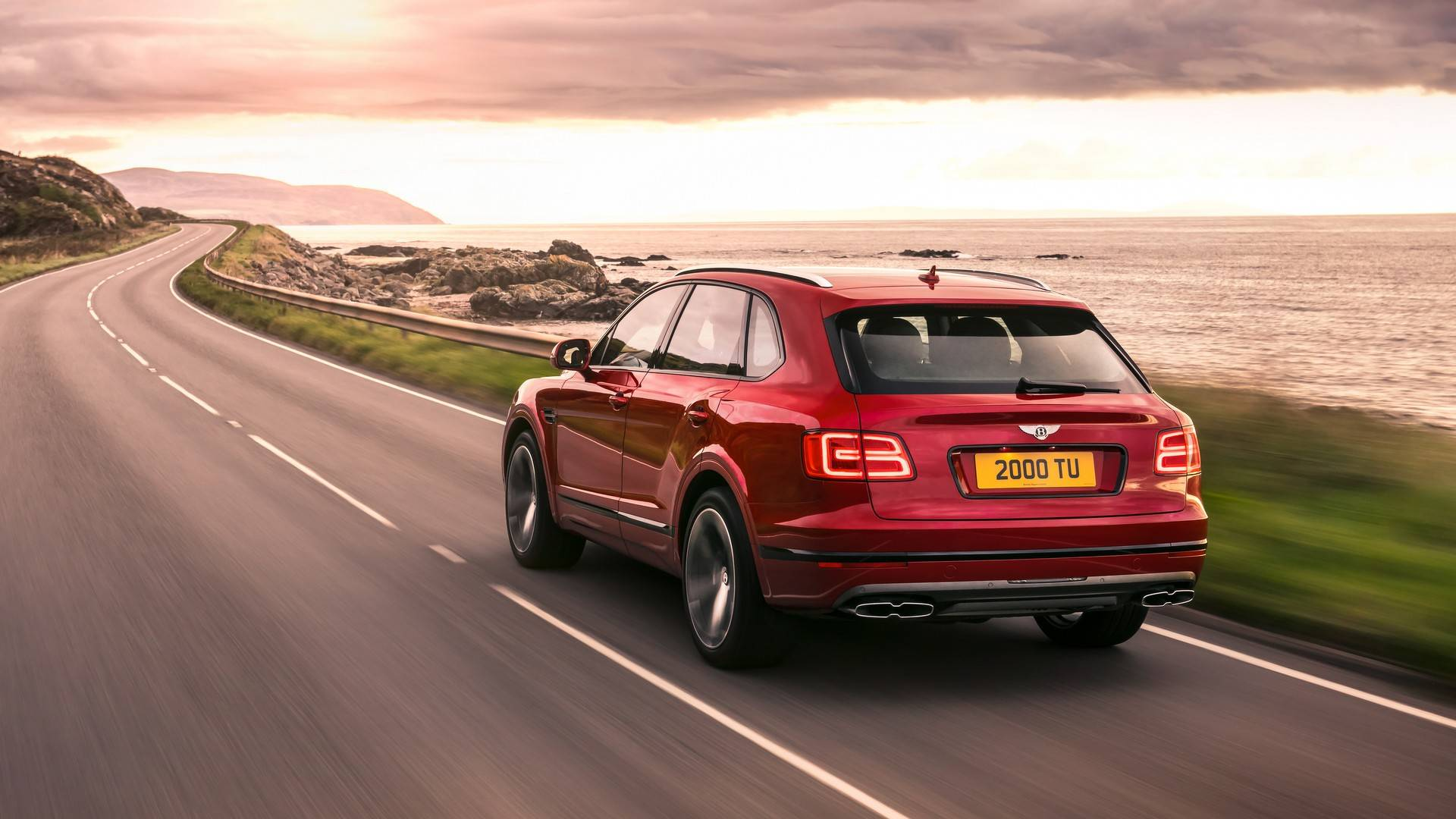 2018_Bentley_Bentayga_V8_0003