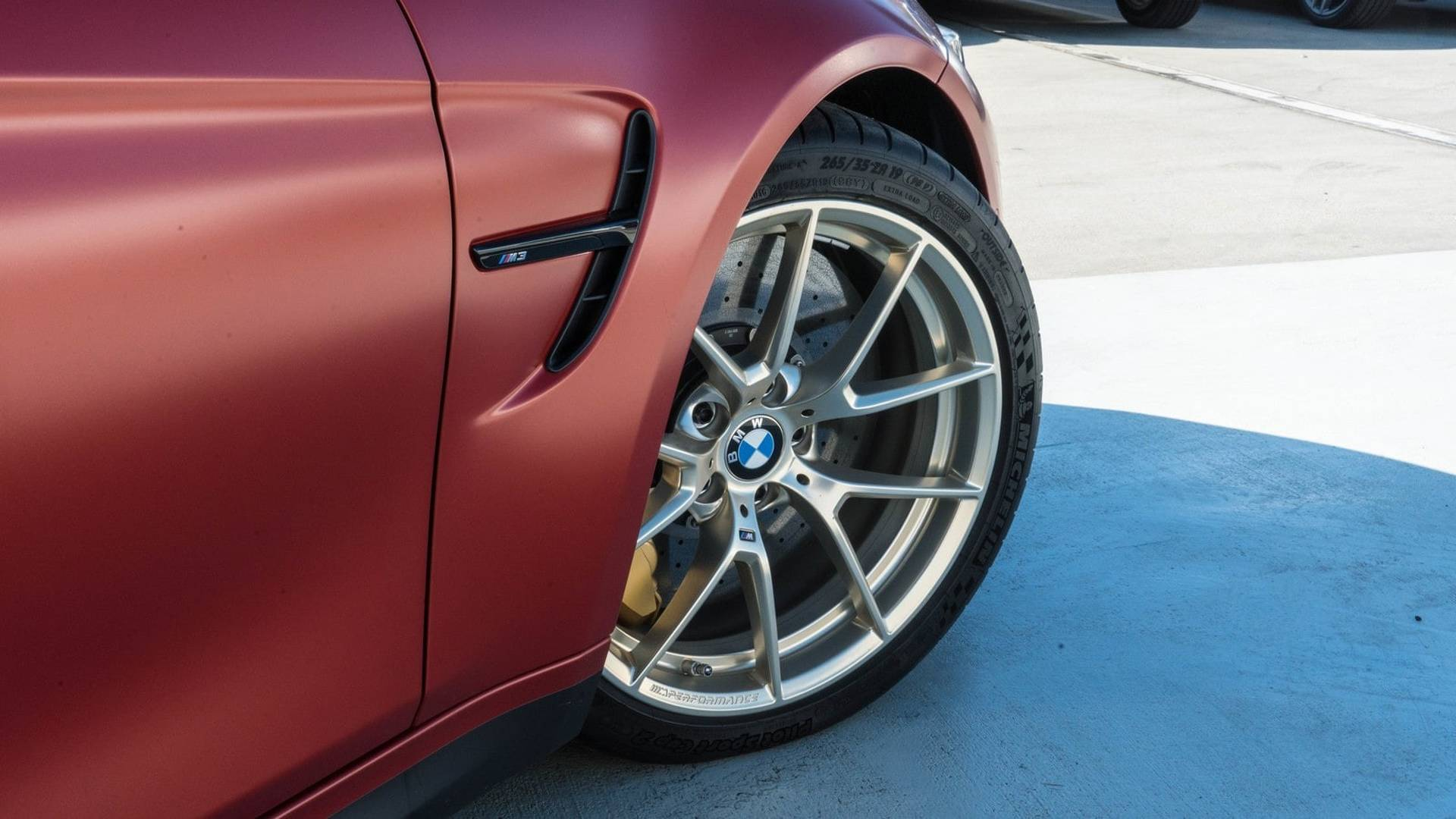 2018_BMW_M3_30_Years_American_Edition_0004