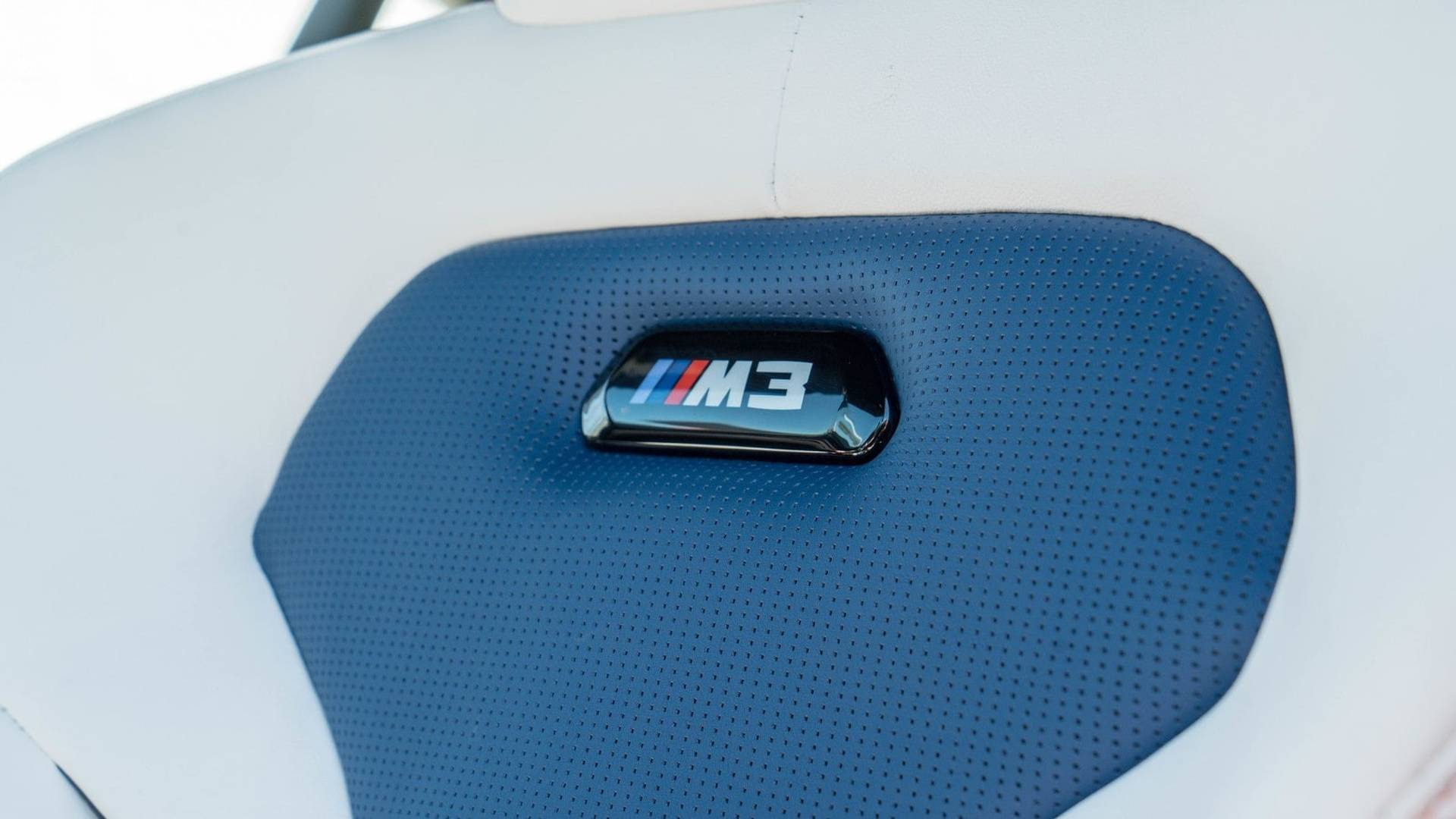 2018_BMW_M3_30_Years_American_Edition_0033