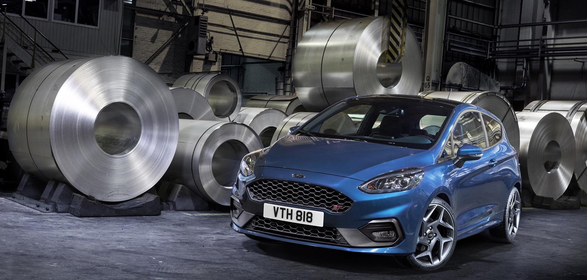 Ford_Fiesta_ST_0000