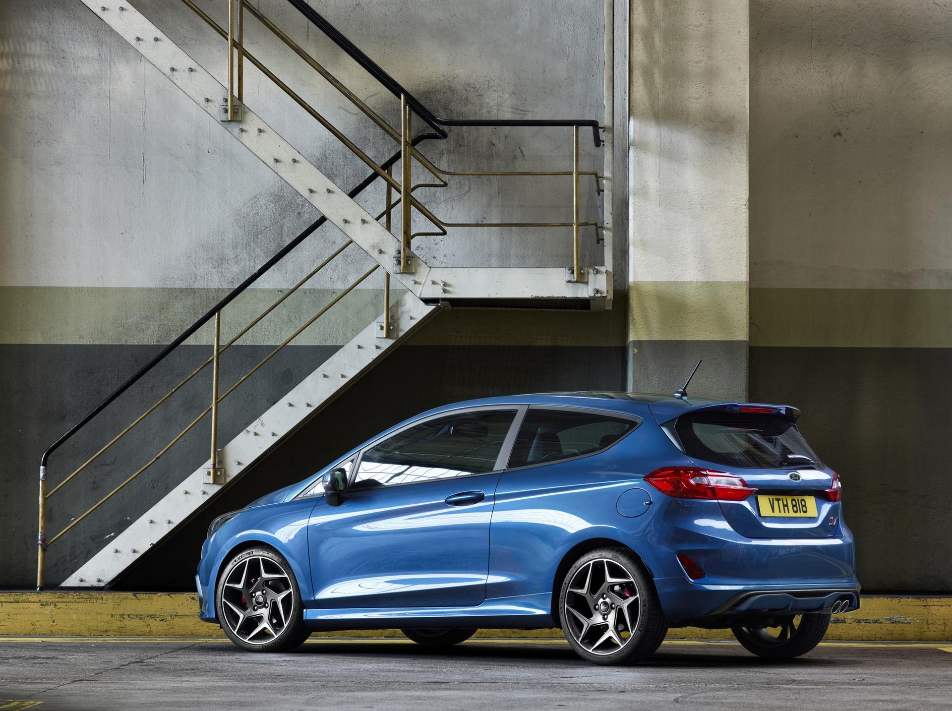 Ford_Fiesta_ST_0001