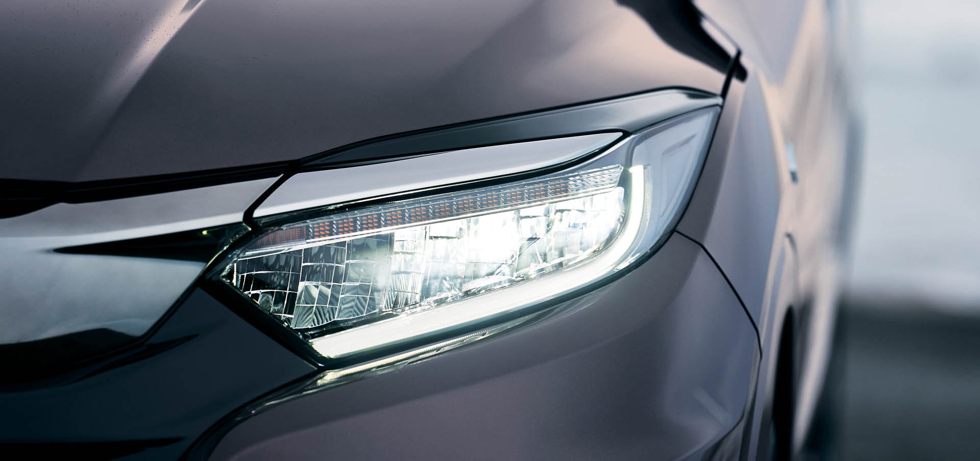 2018_Honda_Vezel_facelift_0006