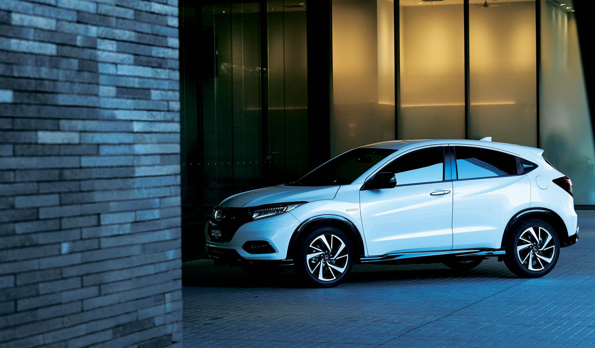 2018_Honda_Vezel_facelift_0021