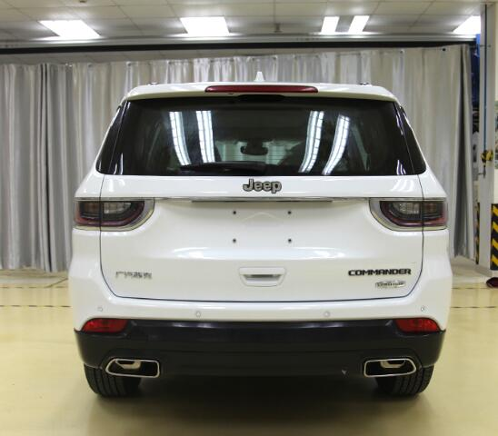 2018_Jeep_Commander_0005