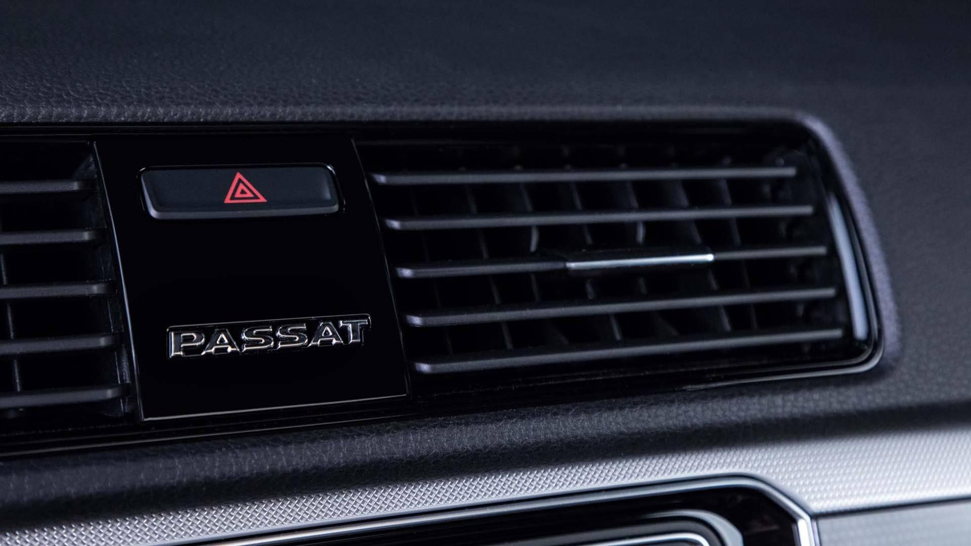 2018_Volkswagen_Passat_GT_0010