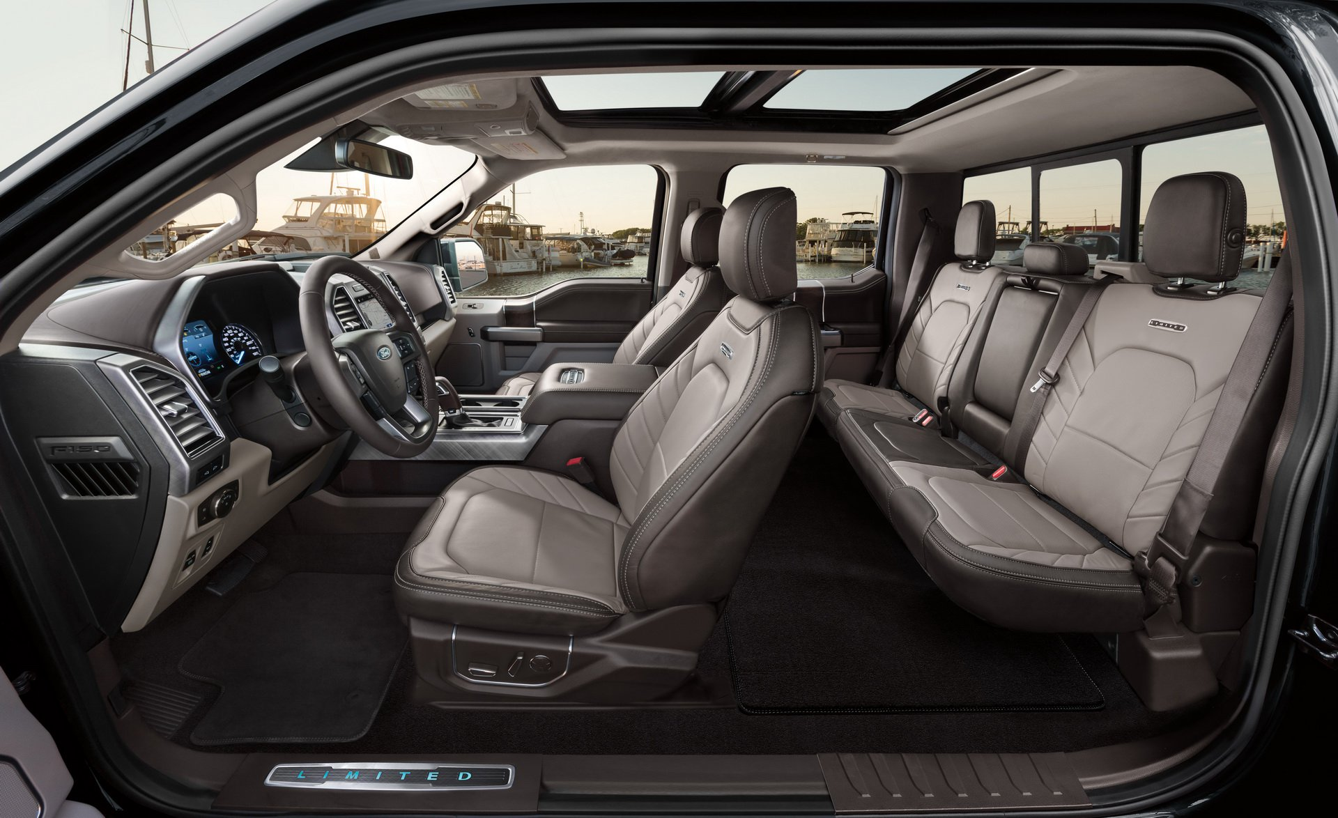2019_Ford_F-150_Limited_0004