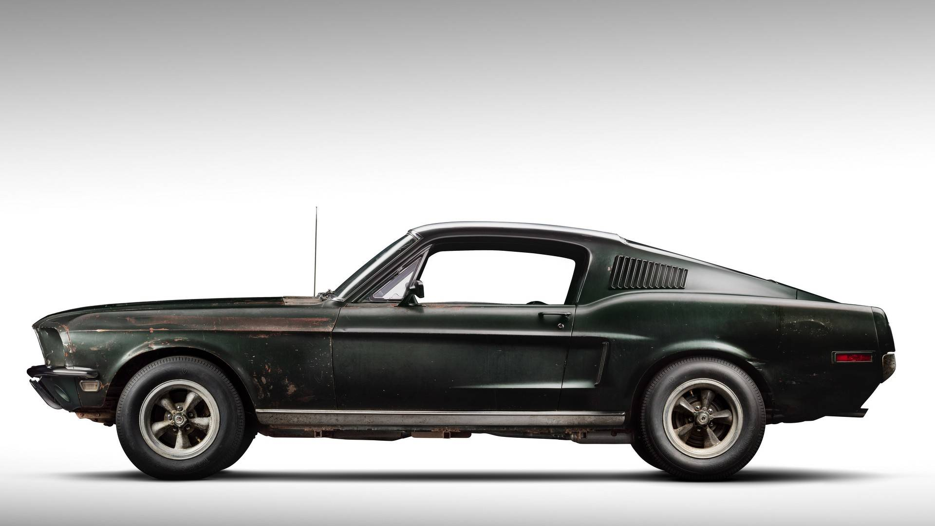 1968_Ford_Mustang_Bullit_original_movie_car_0003