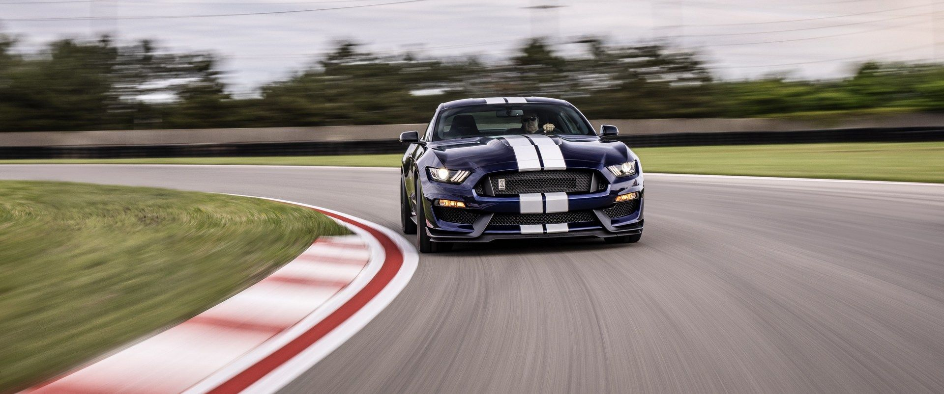 2019_Ford_Mustang_Shelby_GT350_0004