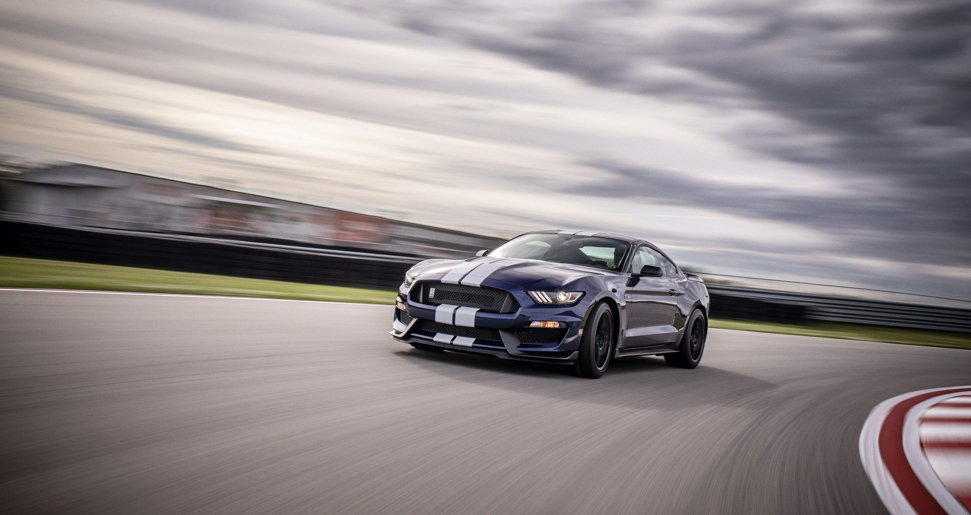 2019_Ford_Mustang_Shelby_GT350_0005