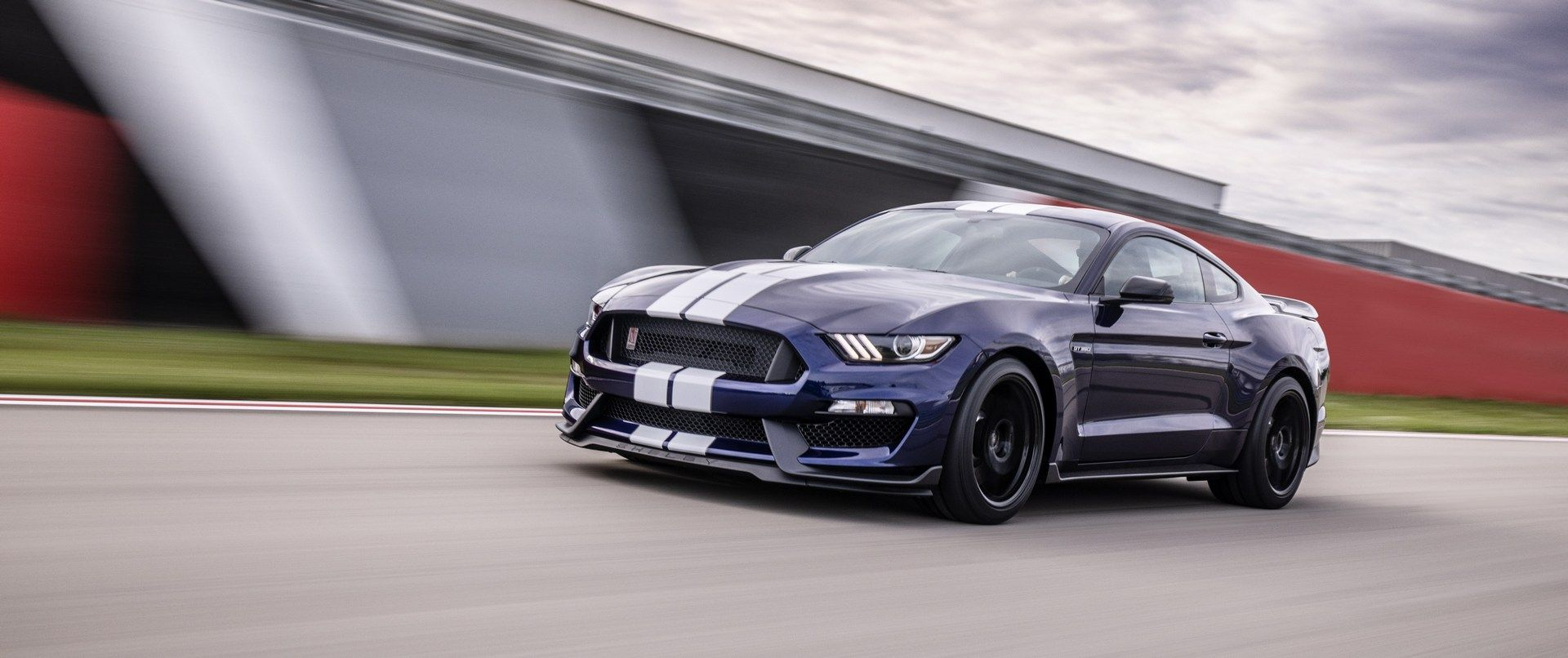 2019_Ford_Mustang_Shelby_GT350_0007