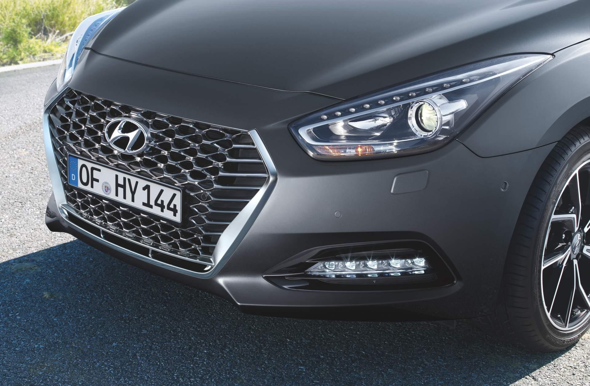 2019_Hyundai_i40_facelift–05