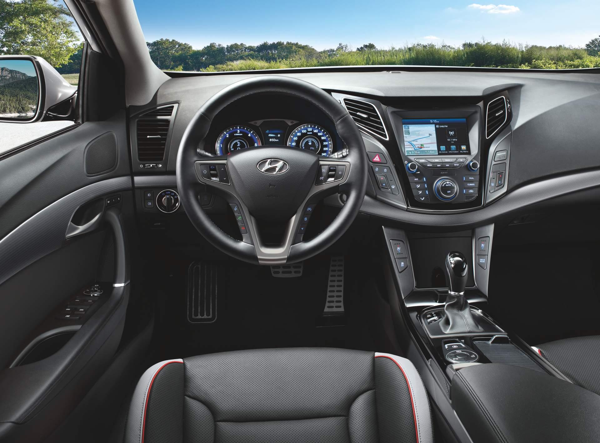 2019_Hyundai_i40_facelift–06