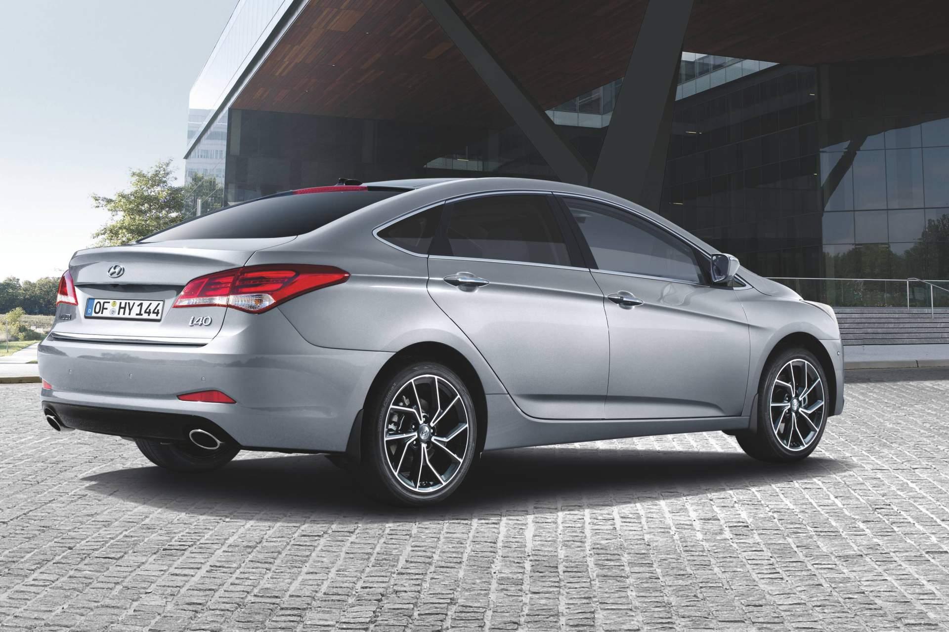2019_Hyundai_i40_facelift–10