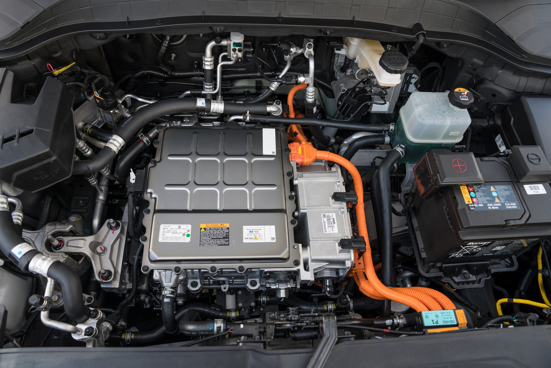2019_Hyundai_Kona_Electric_0000