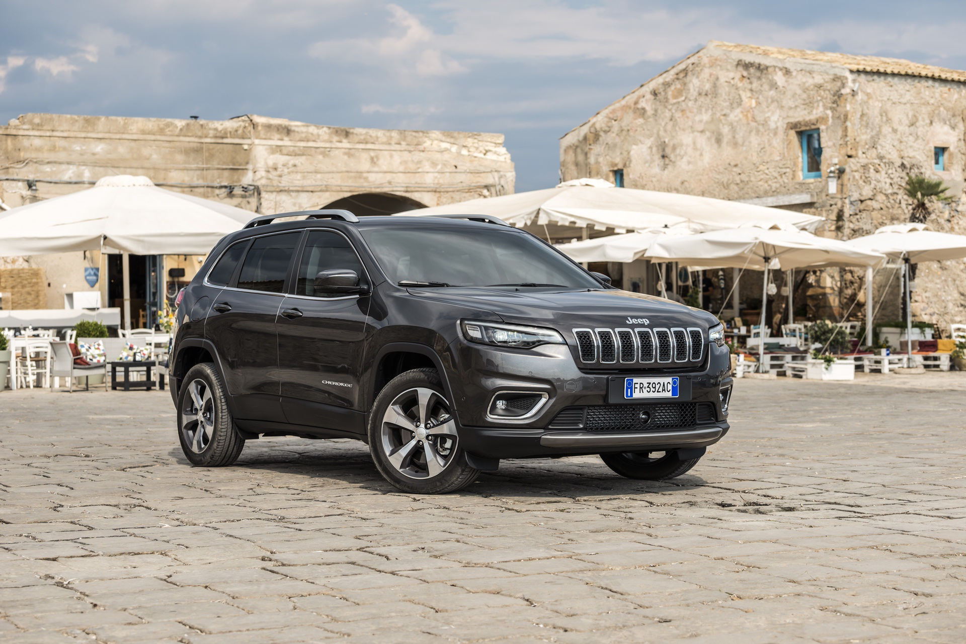 180906_Jeep_New-Cherokee-Limited_06