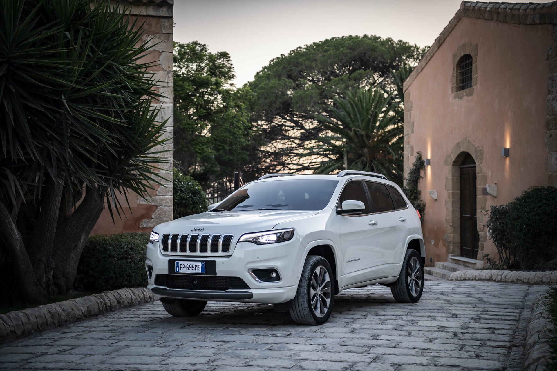 180906_Jeep_New_Cherokee-Overland_09