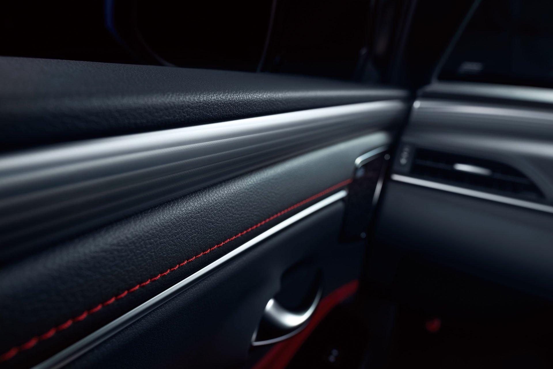 2019_Lexus_ES_0007
