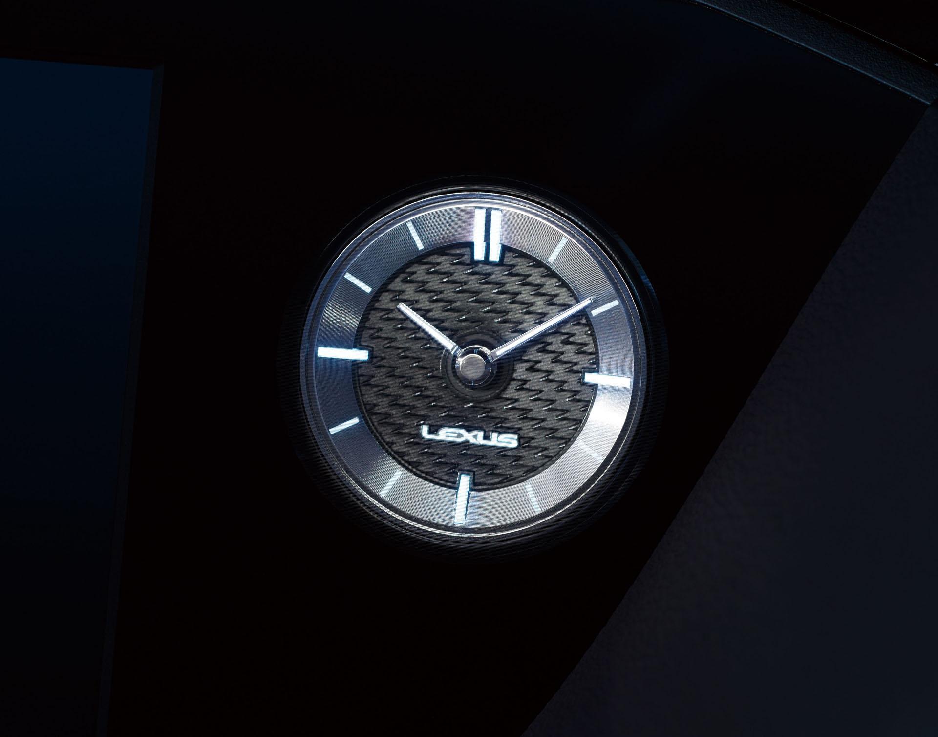 2019_Lexus_ES_0044