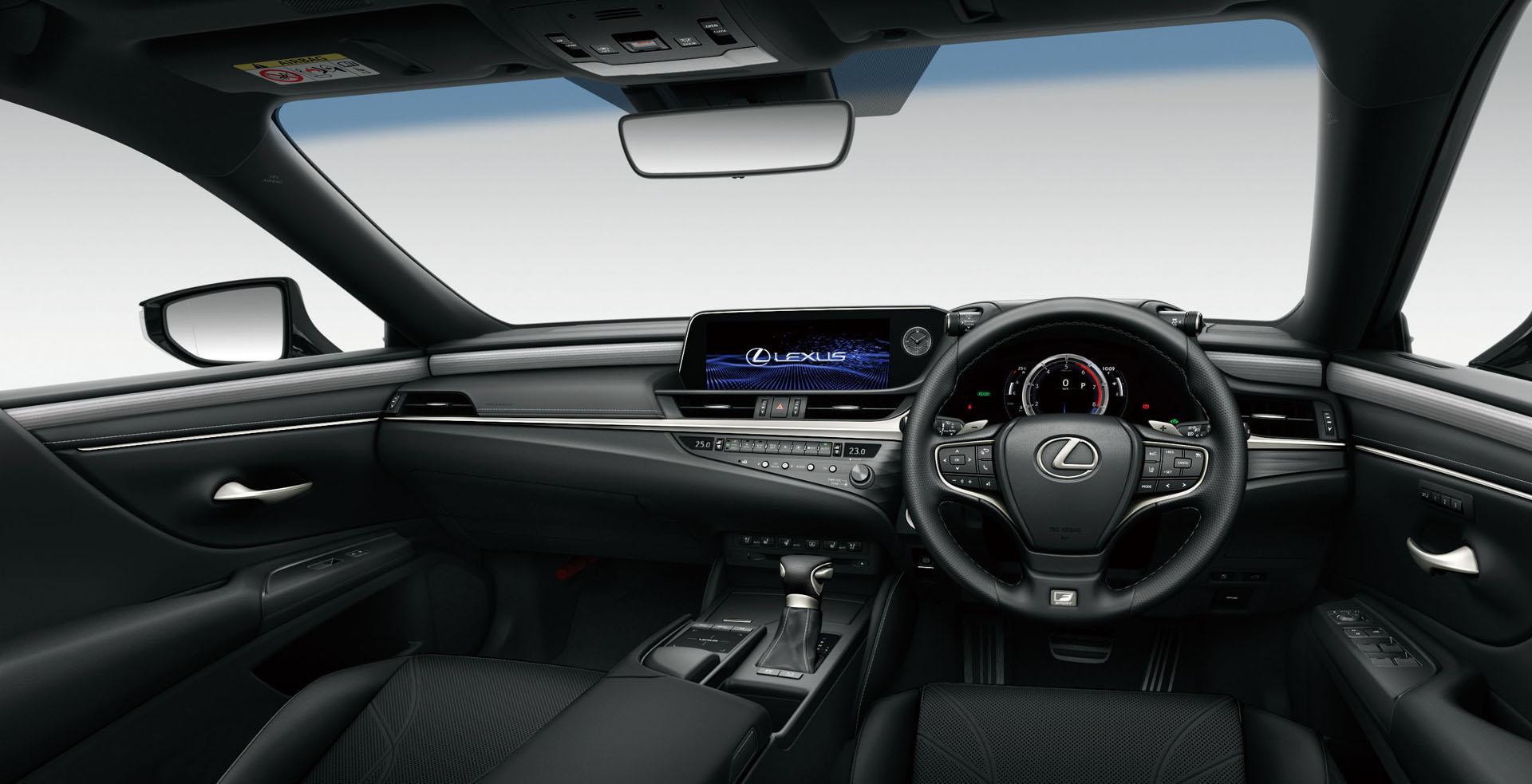 2019_Lexus_ES_0071