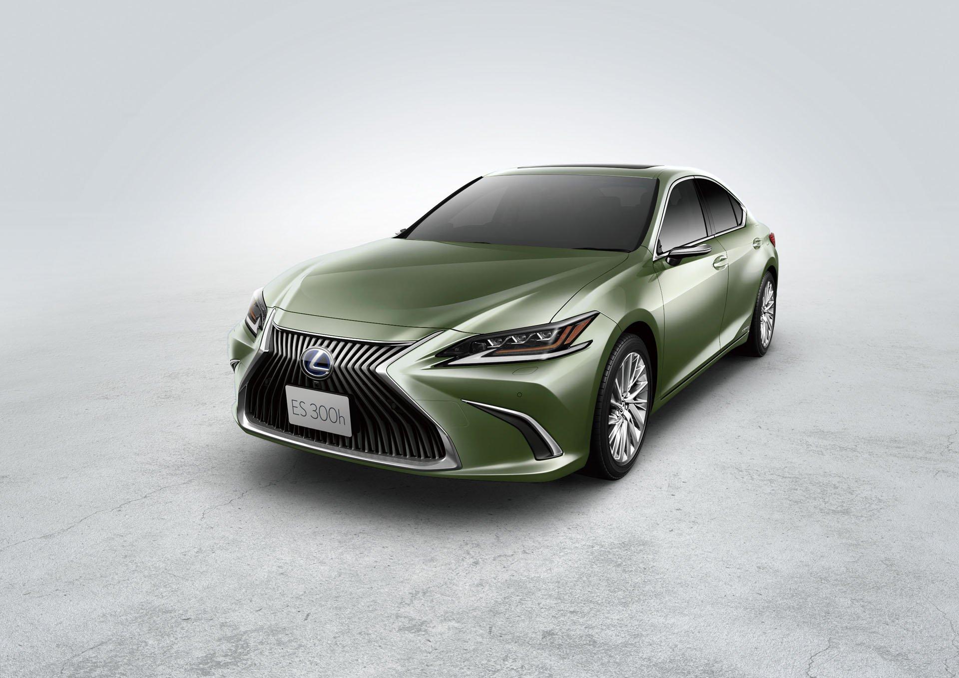 2019_Lexus_ES_0072