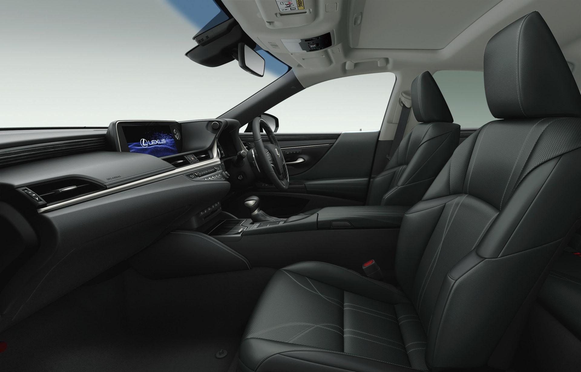 2019_Lexus_ES_0075
