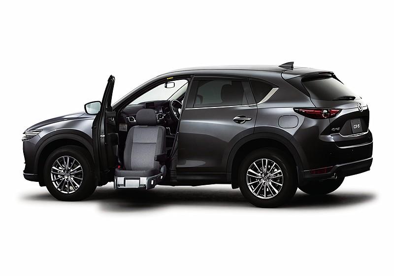 2019_Mazda_CX-5_0011