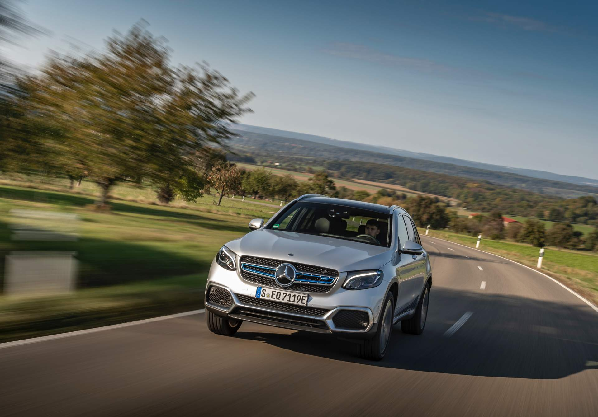 2019_Mercedes_GLC_F-Cell_0047