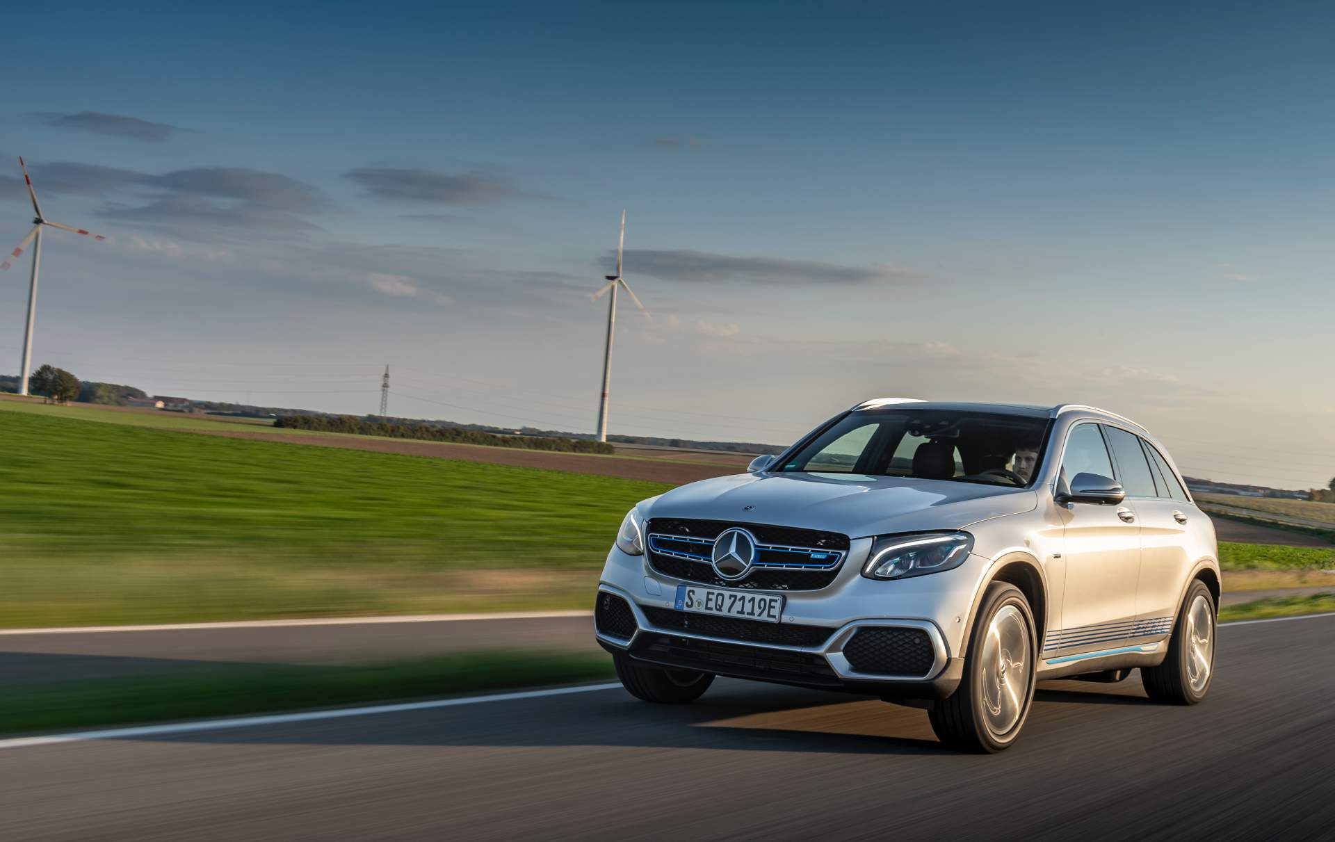 2019_Mercedes_GLC_F-Cell_0050