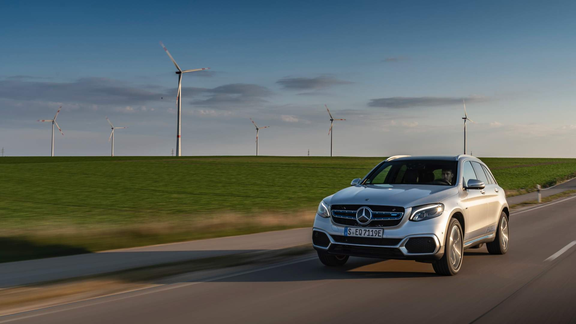 2019_Mercedes_GLC_F-Cell_0051