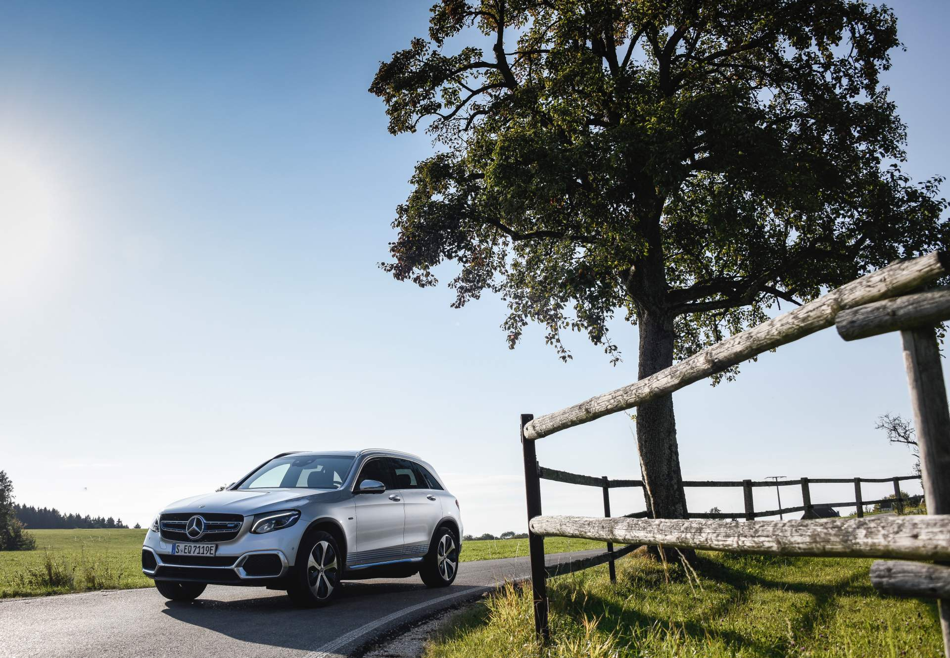 2019_Mercedes_GLC_F-Cell_0055