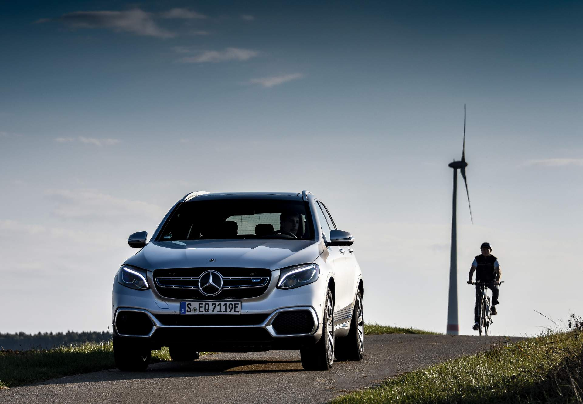 2019_Mercedes_GLC_F-Cell_0057