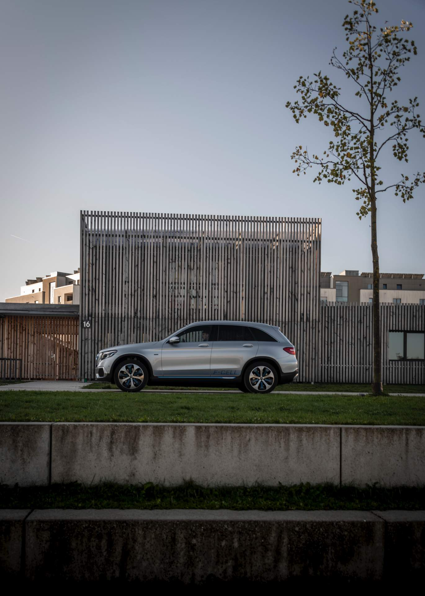 2019_Mercedes_GLC_F-Cell_0060