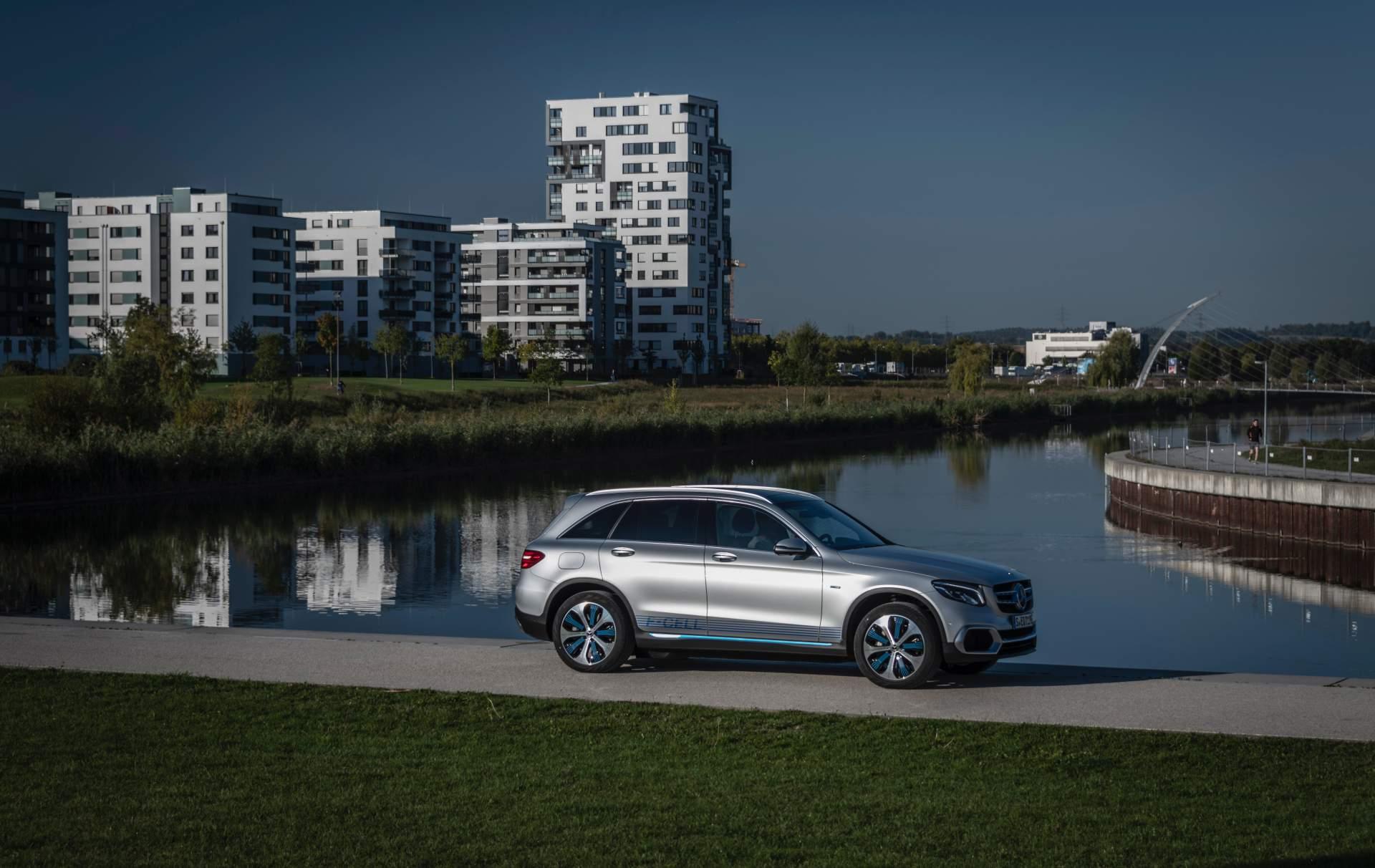 2019_Mercedes_GLC_F-Cell_0065