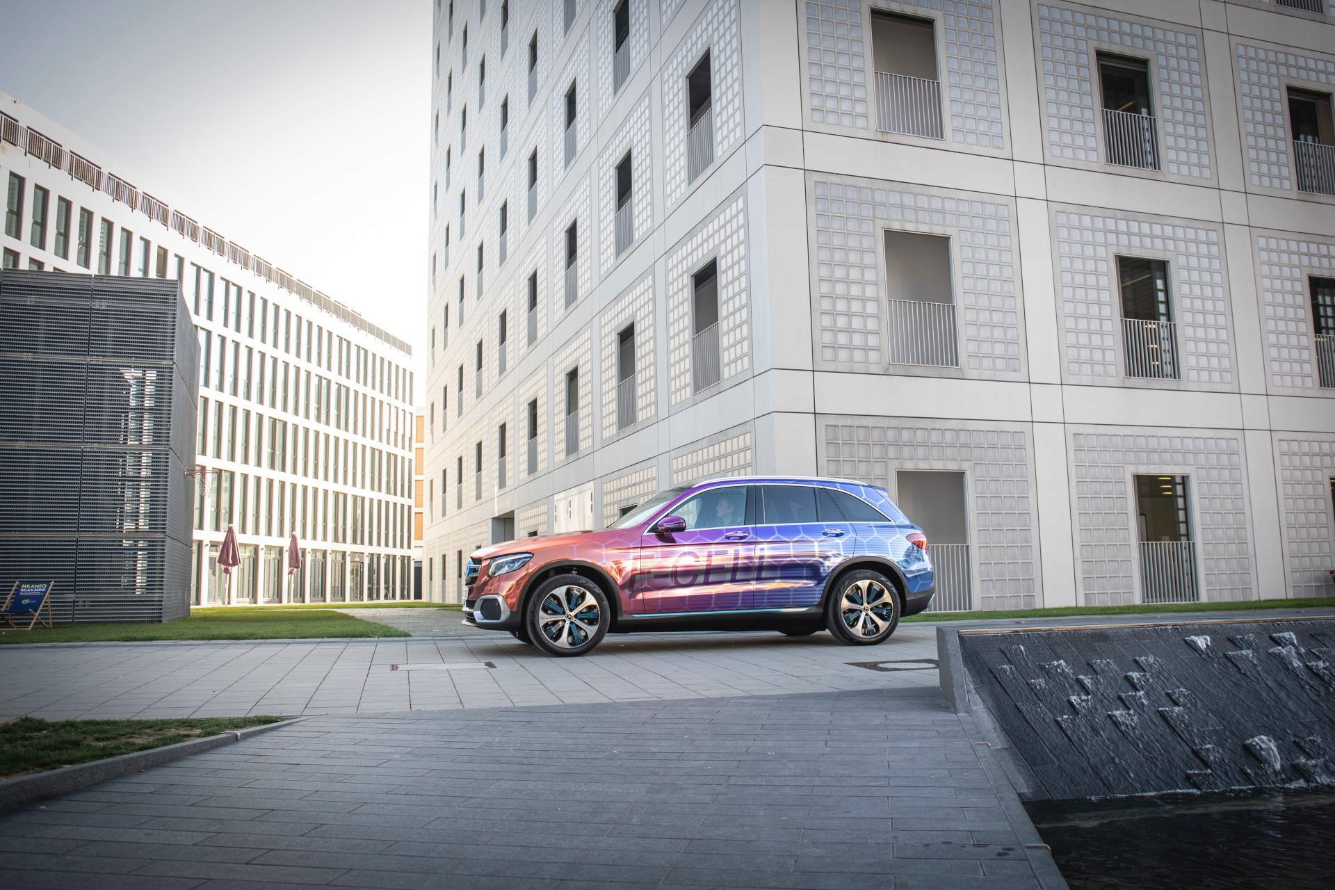 2019_Mercedes_GLC_F-Cell_0107