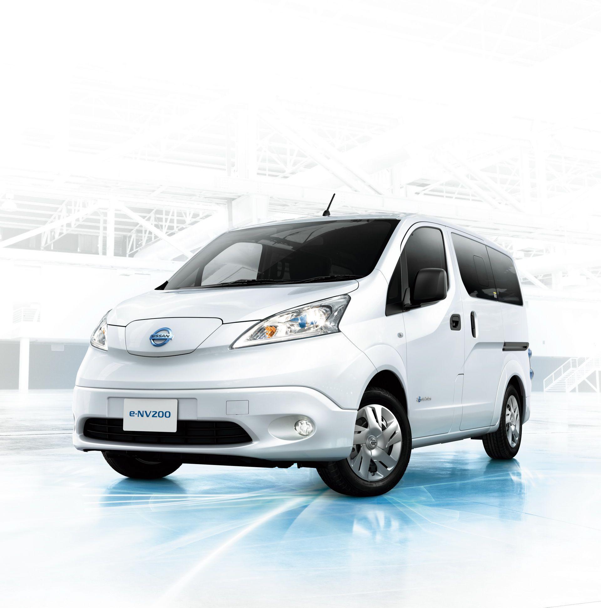 2019_Nissan_e-NV200_0000