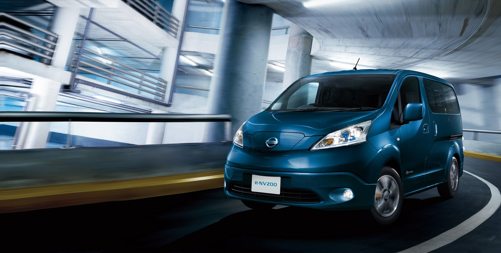 2019_Nissan_e-NV200_0003