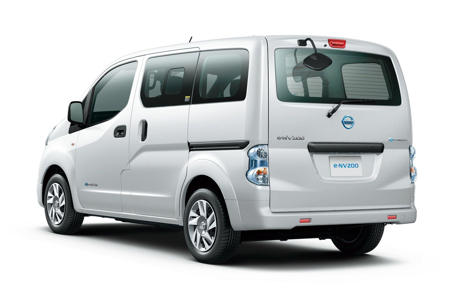 2019_Nissan_e-NV200_0010