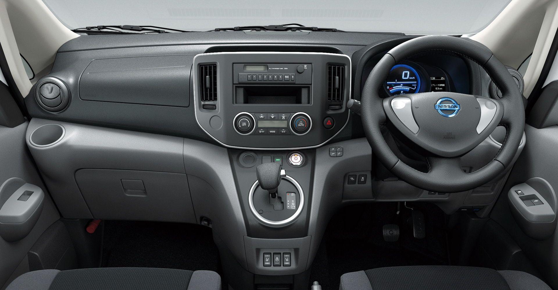 2019_Nissan_e-NV200_0025