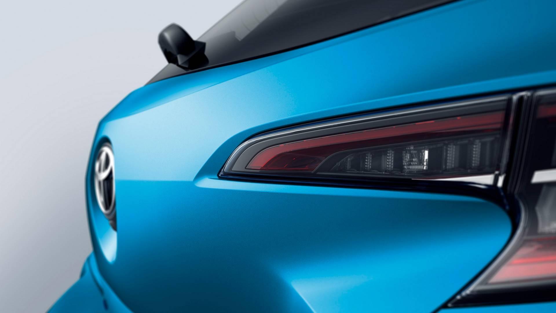 2019_Toyota_Corolla_Hatchback_0011