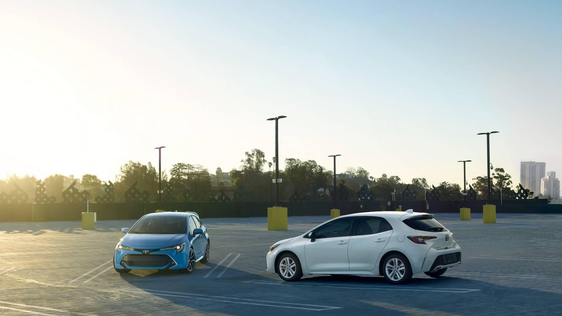 2019_Toyota_Corolla_Hatchback_0015