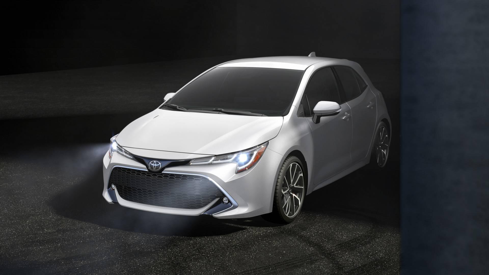 2019_Toyota_Corolla_Hatchback_0016