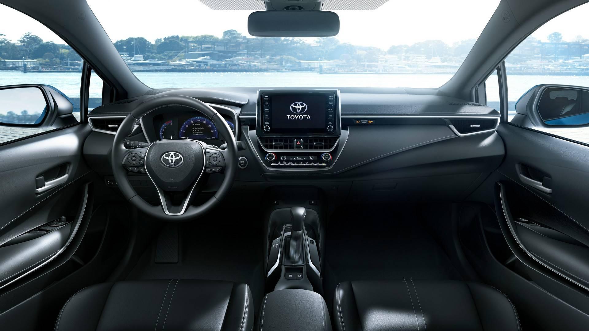 2019_Toyota_Corolla_Hatchback_0017