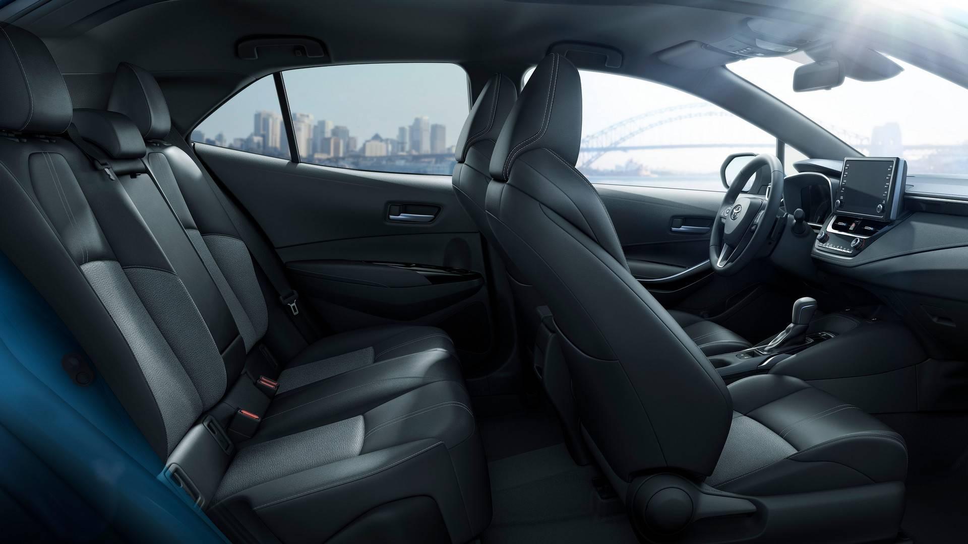 2019_Toyota_Corolla_Hatchback_0021