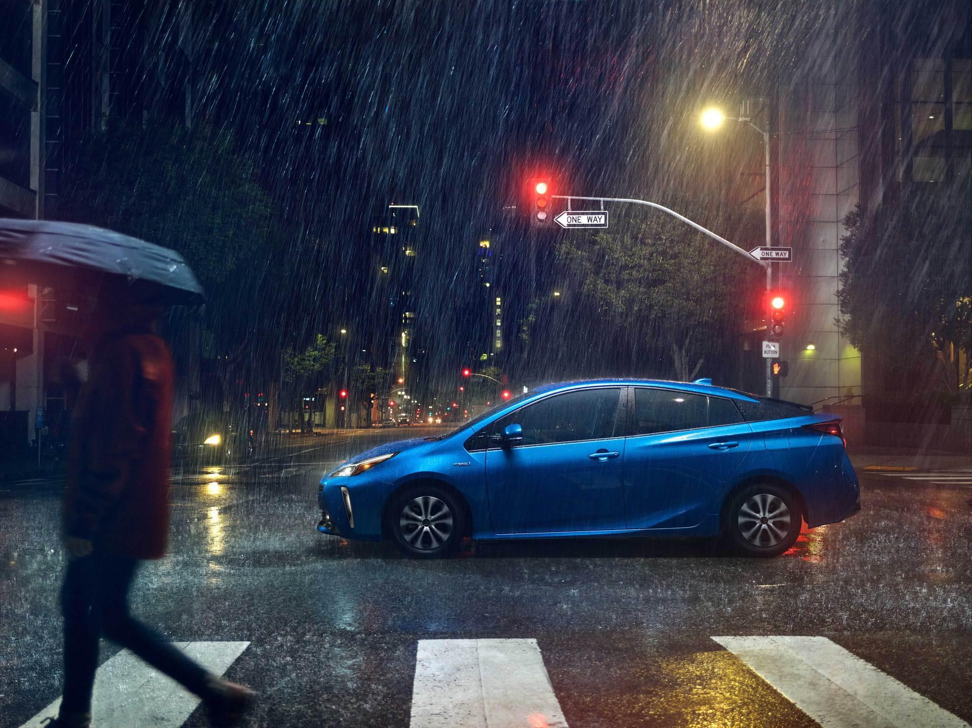 2019_Toyota_Prius_facelift0008
