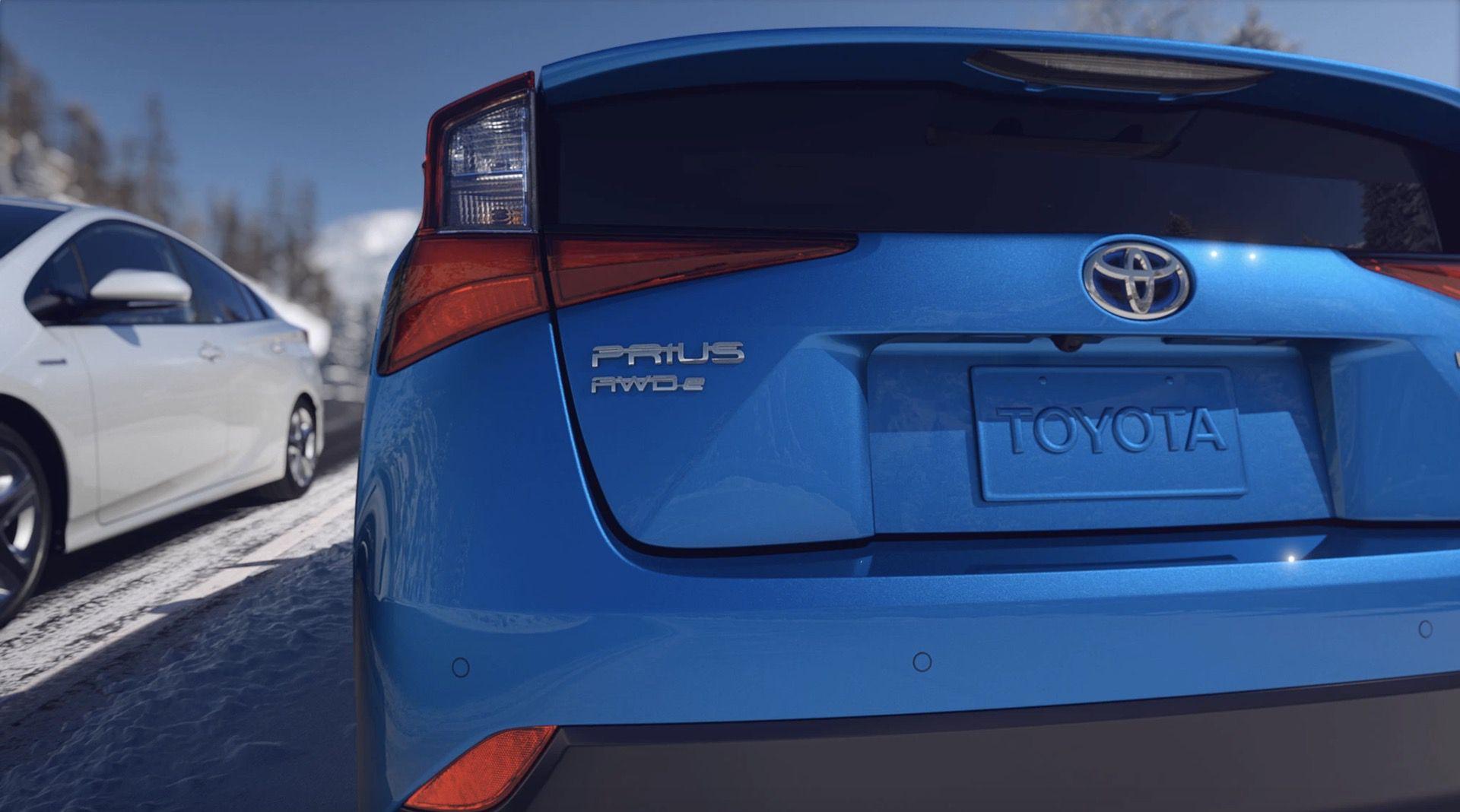 2019_Toyota_Prius_facelift0009