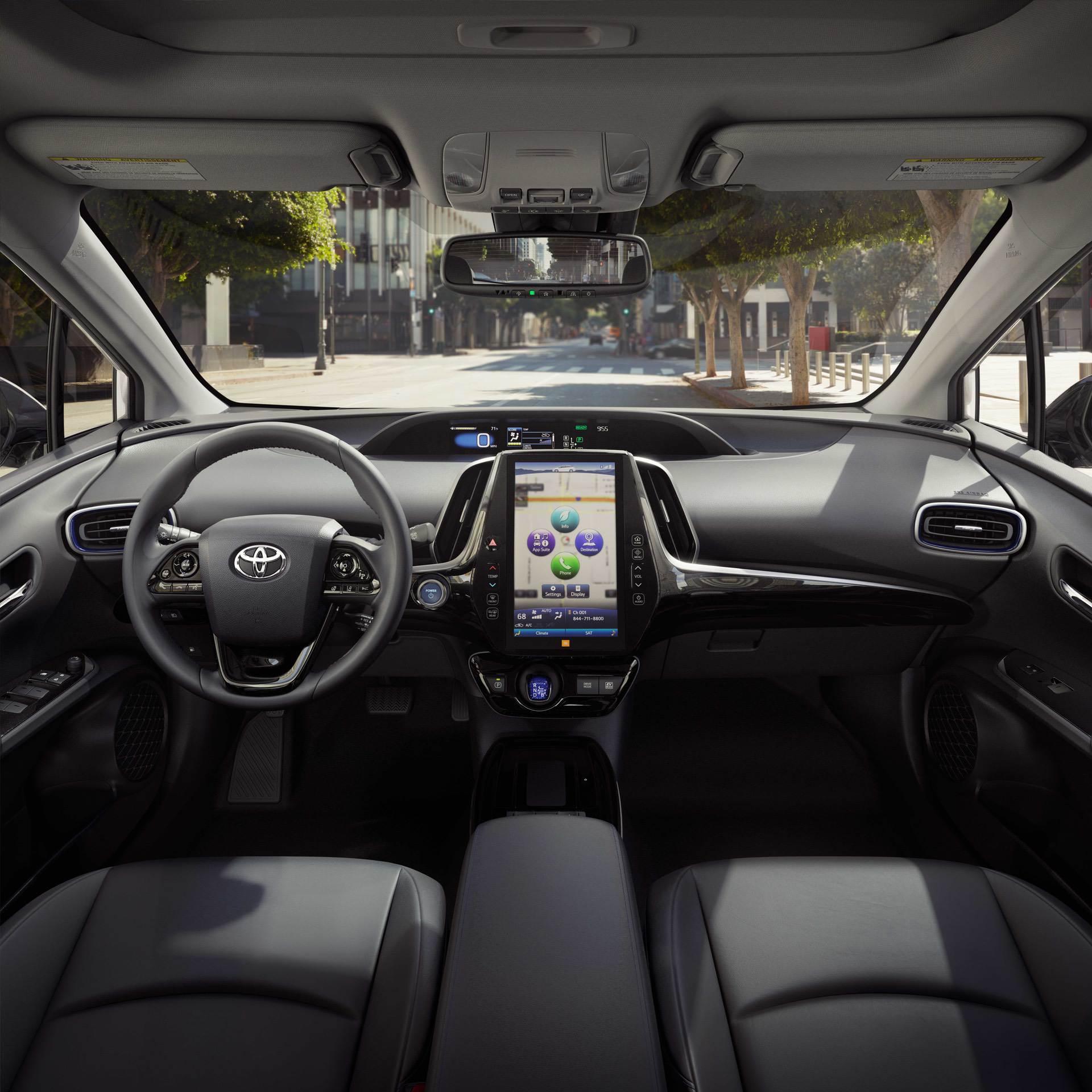 2019_Toyota_Prius_facelift0010